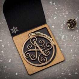 boule noel initiale bois en noyer cadeau