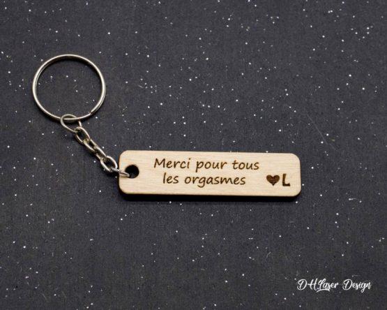 porte clé en bois orgasme initiale