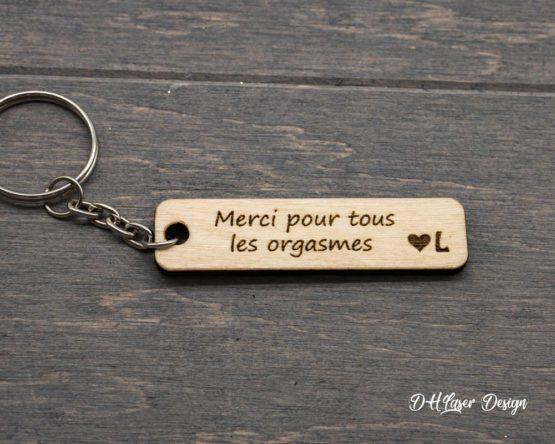 porte clés en bois merci initiale