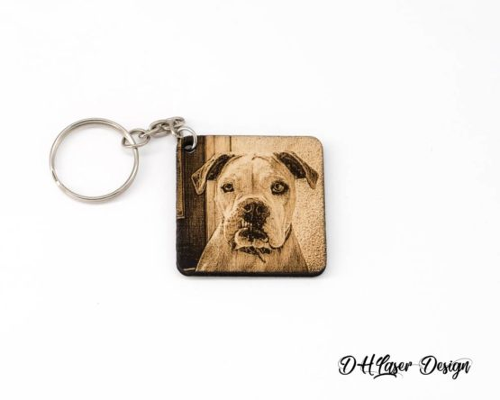 porte cle bois photo carre fond blanc